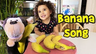 The Banana Song! Learn Counting to 5 with Puppets