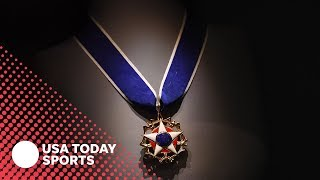 Trump awards Medal of Freedom to Babe Ruth, Roger Staubauch and Alan Page