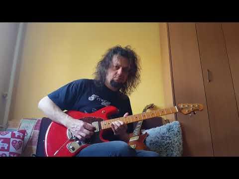 Music Man StingRay vs Gibson LP Classic Antique 2007