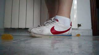 Crushing candies with Nike Cortez