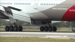 Boeing 777-200s at Los Angeles International Airport