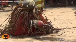 Démonstration de force des adeptes vaudou à Agbanakin lors de la tournée de l'ANC[15/2/14]