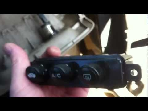 2001-2005 Honda Civic Lower Panel LED Bulb Change