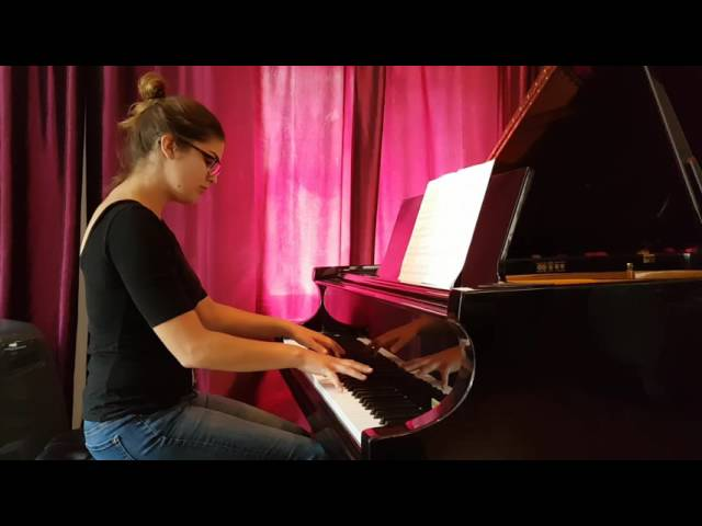 Eleve du studio Cours de piano montreal. intermediate
