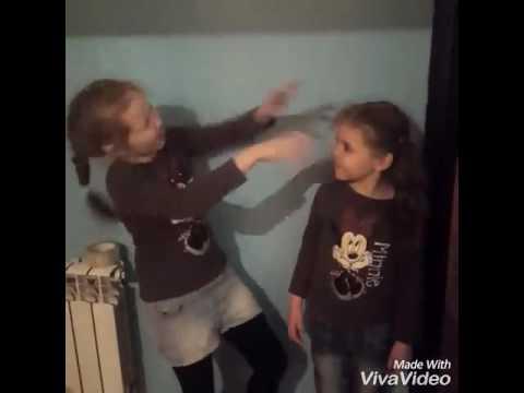 Издеваются молодым мальчиком видео фото 415-951