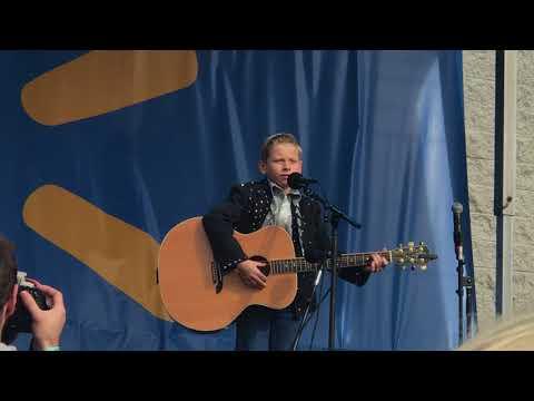 Mason Ramsey - Lovesick Blues mp3 baixar