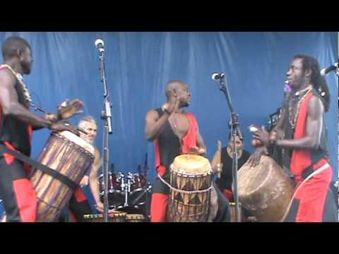 Urban sound studio host Congolese drummer Teber &  Tambours San Frontiers