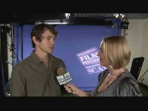 Hugh Dancy sits down with TCS, fascinated by Jennifer's eyes