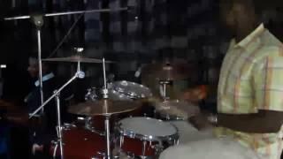 Cover Our God avec Jack Malembe a la batterie