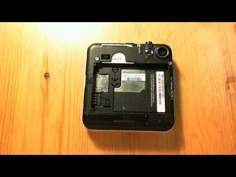 How-to insert Simcard & MicroSD card for Motorola Flipout