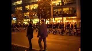 Parada militară, cu torţe, în Bucureşti de Ziua Armatei Romane 2012.wmv