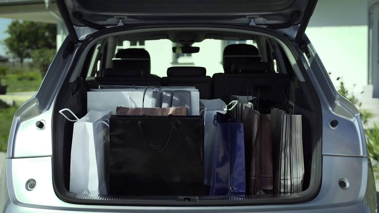 The New Audi Q5 Becomes More E In Trunk