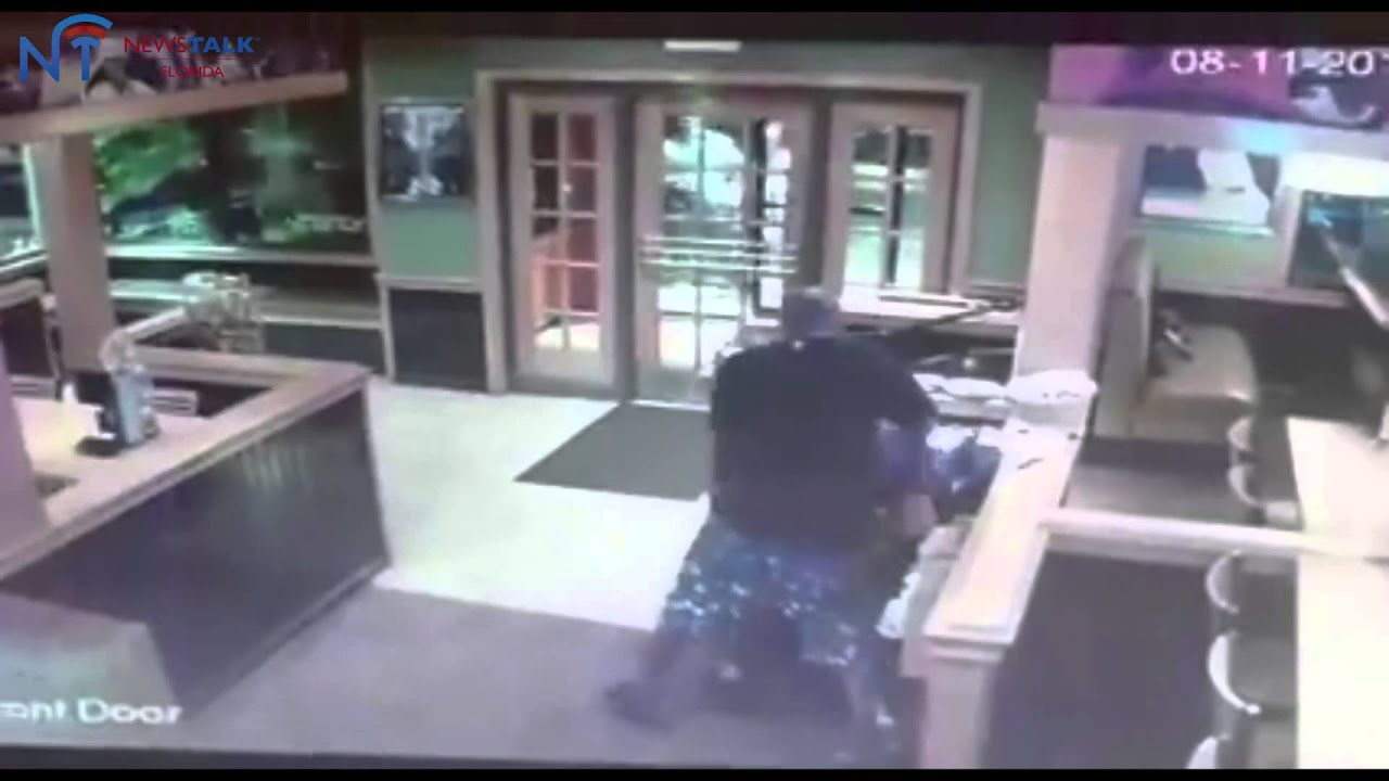 two men attack customer at winter haven applebee u0027s youtube
