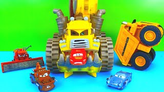Disney Pixar Cars Screamin Banshee COLOSSUS XXL Frank take on Lightning McQueen Mater Just4fun290