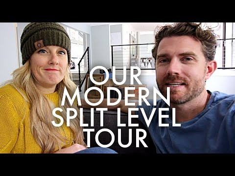 MID CENTURY MODERN SPLIT-LEVEL HOUSE TOUR : Traveling Family of 11