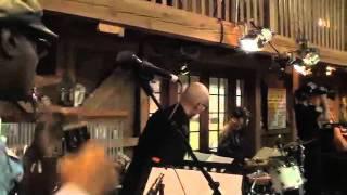 DARYL HALL & JOHN RZEZNIK - STILL YOUR SONG