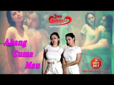 ABANG CUMA MAU - DUO GOBAS (Cupi Cupita & Essa ) ( Official Music Video )