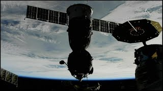 Soyuz MS-09 Undocking (time lapse)