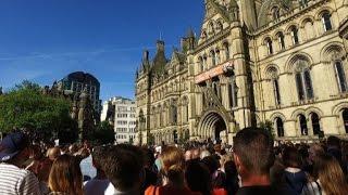 Video Manchester defiant at vigil for attack victims download MP3, 3GP, MP4, WEBM, AVI, FLV November 2018
