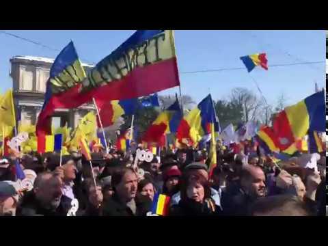 Basescu la Marea Adunare Centenara de la Chisinau: Moldova este parte a Romaniei!