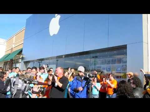 Apple Store Grand Opening, Friendly Center, Greensboro NC