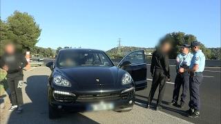 Megane RS Gendarmerie vs Porsche Cayenne