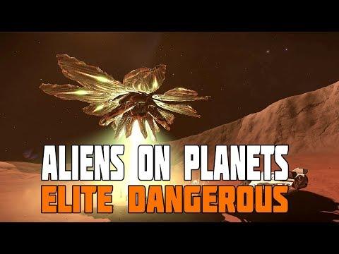 Elite Dangerous - Alien Ship at Barnacles on Planet Surface