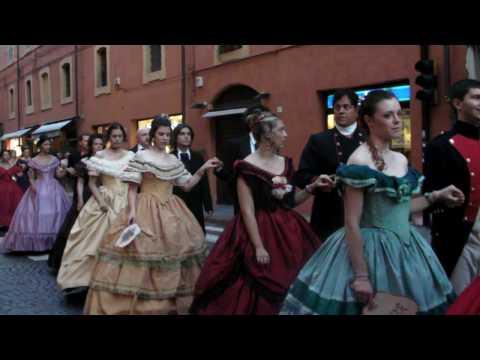 Desfile De Trajes Antiguos Modena Youtube