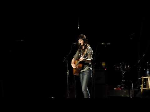 Brandi Carlile - Lovesick Blues (Hank Williams cover) - Portsmouth Music Hall 1/31/10