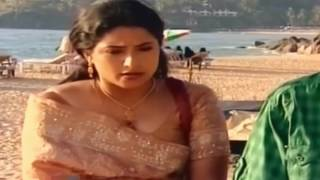 Praveena Hot Scene in saree