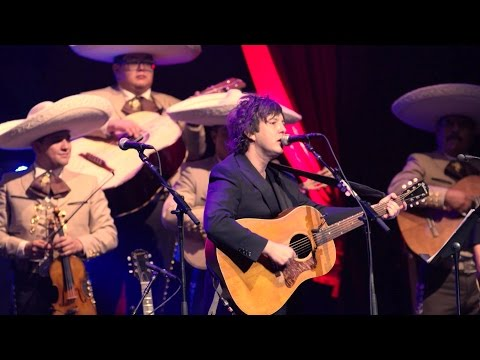 Harper Simon performs 'Repo Man' with Mariachi Los Reyes