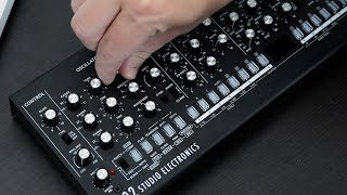 tiny knobs BIG SOUND — Checking out ROLAND SE-02