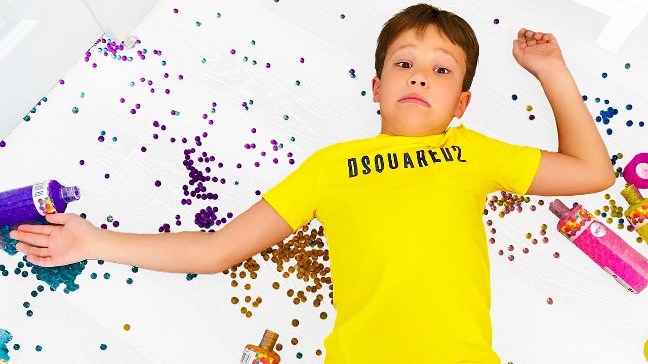 Катя и Макс затеяли уборку в своих комнатах