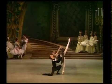 Swan Lake Act 3 excerpt  Dowell Makarova