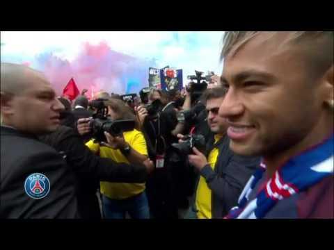 Neymar pone de cabeza a París, El astro brasileño saludó a los aficionados del PSG