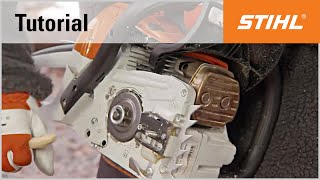Video Tutorial On Chain Saws 12 - Removing And Cleaning The Sprocket Cover, Guide Bar And Saw Chain
