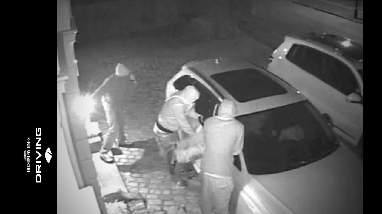 How To Break A Car Window >> Caught on CCTV: thieves steal Audi RS4 - YouTube