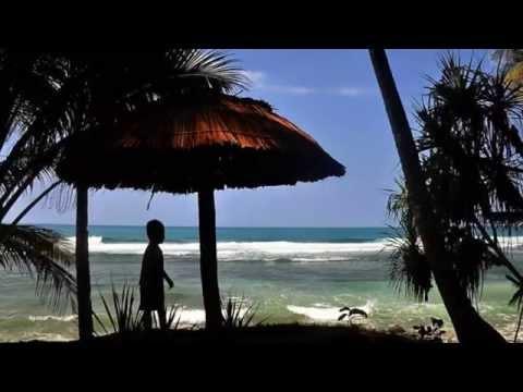 Pesona Pantai Pidaan Pacitan