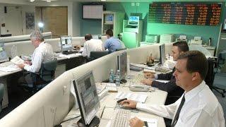 Ibovespa opera em leve queda, enquanto dólar tem nova alta