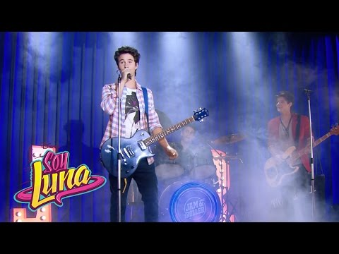 Simón, Nico y Pedro cantan Valiente | Momento Musical (con letra) | Soy Luna