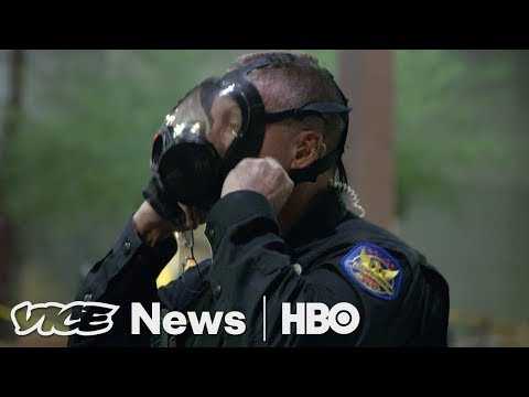 Trump in Phoenix & Exxon Mobil Under Investigation: VICE News Tonight Full Episode (HBO)