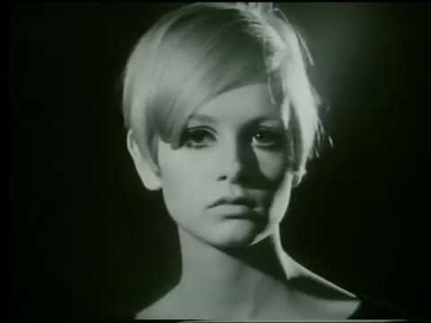 Twiggy - First TV Appearance