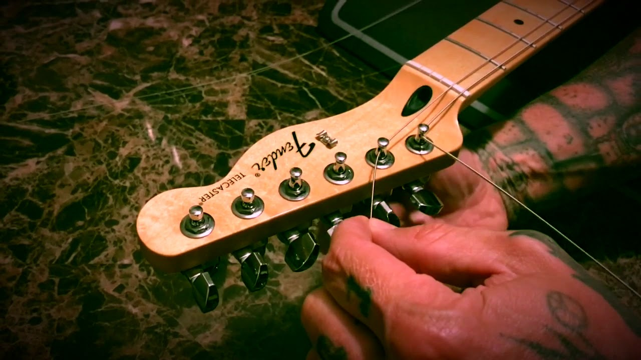 Fender Locking Tuner String Change
