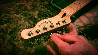 Fender Locking Tuner String Change