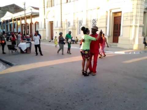 Bailando changüí en Guantánamo
