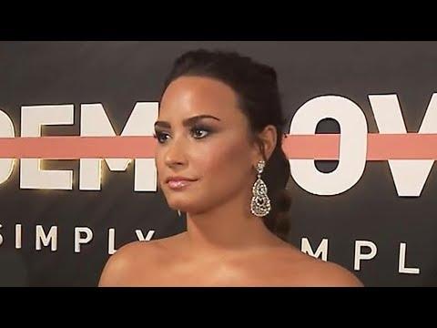 Demi Lovato REVEALS She's Open To Dating Both Men & Women