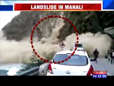 Landslide CAPTURED On Video On Chandigarh-Manali Highway in India