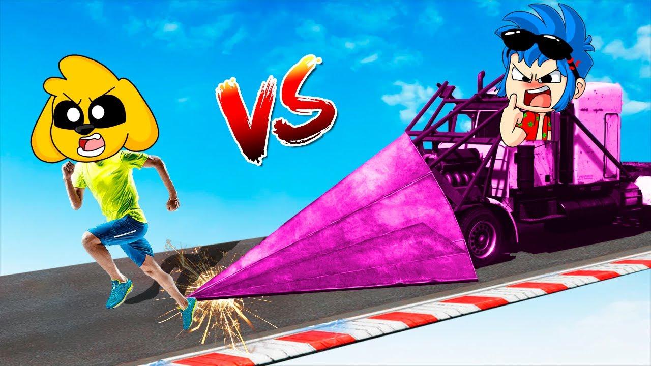 GTA 5 ¡MIKECRACK VS CAMIÓN PINCHO TIMBA VK! 🐶😱 Los COMPAS CHOCAN en SUPER COCHES