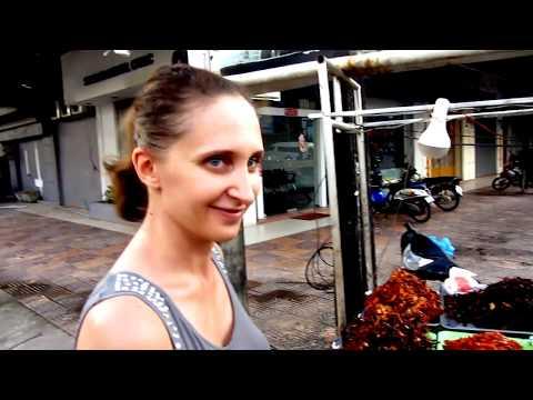 Жизнь в Камбодже ( Сиануквиль ) будни 04.09.2017 местная еда, напитки, море, местный колорит - Видео онлайн