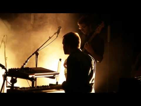 Клип Milow - Ayo Technology (Live)